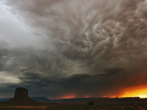 Featured Image - Desert Thunderstorm